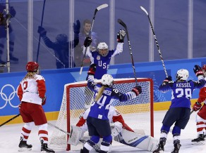 Kanāda un ASV pirms savstarpējās spēles izcīna vēl pa uzvarai