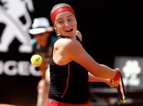 """Ostapenko """"French Open"""" dubultspēļu turnīrā jāspēlē pret draudzeni Kirsteju"""