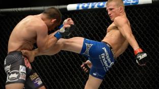 T. Dž. Dilašovs nokautē Džo Soto un nosargā UFC titulu