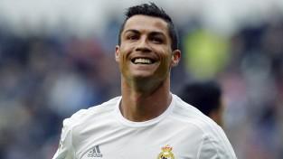 "Ronaldu: ""PSG un ""Manchester City"" var aizmirst par manu pāreju"""