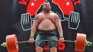 """Edijs Hals paceļ """"nepaceļamos"""" 500 kg"""