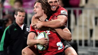 """""""Crusaders"""" uzvar """"Super Rugby"""" regulārajā sezonā"""