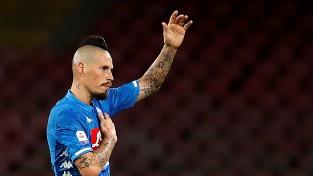 """""""Napoli"""" ilggadējo kapteini Hamšīku par 20 miljoniem eiro pārdod Ķīnas klubam"""