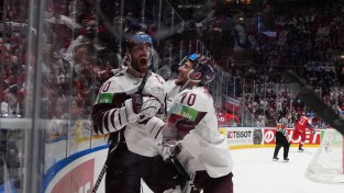 Lauris un Miks – joprojām labākie hokeja uzbrucēji