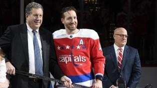 """Pēc 15 sezonām NHL karjeru noslēdzis """"Capitals"""" aizsargs Orpiks"""