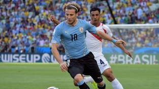 Urugvajas zvaigzne Forlans noslēdz karjeru
