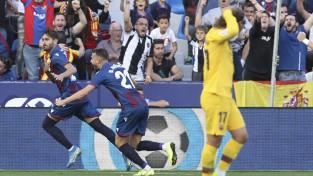 """""""Levante"""" 10 minūtēs salauž """"Barcelona"""", kurai pārtrūkst septiņu uzvaru sērija"""