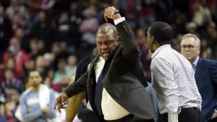 """Hārdens samet 47 """"Rockets"""" uzvarā pret Lenardu un """"Clippers"""""""