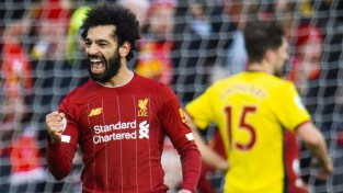 """Salāha divi vārti un sekotāju neveiksmes palielina """"Liverpool"""" pārsvaru līdz 10 punktiem"""