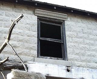Skumji. Bērnu rotaļas pamestās ēkās beidzas slimnīcā