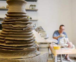 Keramikas simpozija izstādes atklāšana