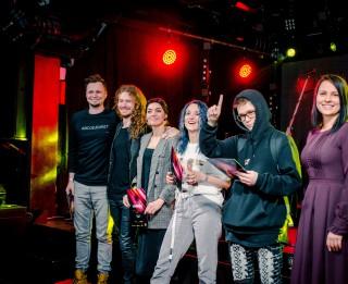 Balvas Zelta Mikrofons pretendenti kategorijā Debija – Patrisha, Kato, Prusax, kā arī grupas Carousel un Nikto