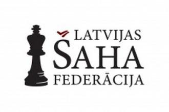 Latvijas jaunajiem šahistiem EČ pirmajā kārtā piecas uzvaras un divi neizšķirti