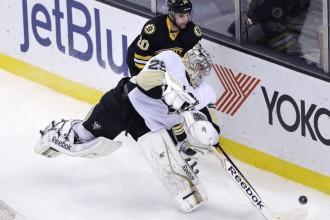 """Flerī 300. uzvara karjerā, """"Penguins"""" papildlaikā uzveic """"Bruins"""""""