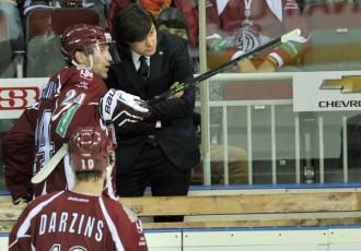 """Foto: """"Dinamo"""" uzvar un pārtrauc zaudējumu sēriju"""