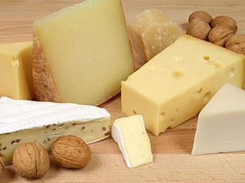 Aptauja: Latvijas iedzīvotāji – vislielākie siera cienītāji Baltijā