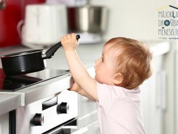 Kā pasargāt bērnu no negadījumiem mājoklī