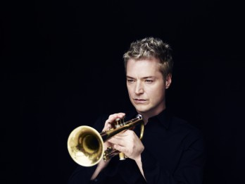 Latvijā uzstāsies pasaulslavenais trompetists Kriss Boti