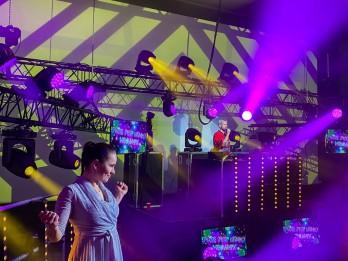"""Aizvadīta pirmā """"Pure Pop Disco"""" virtuālā ballīte ar Markus Riva"""