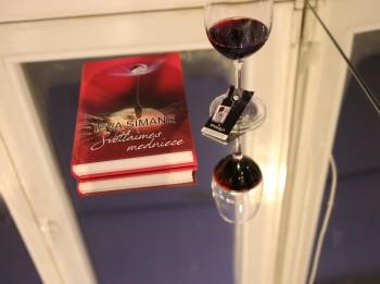 Izdots spožs dārgakmens latviešu erotiskās literatūras žanrā