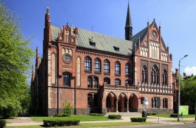 Latvijas Mākslas akadēmijas radošās darbnīcas un izstādes Porto