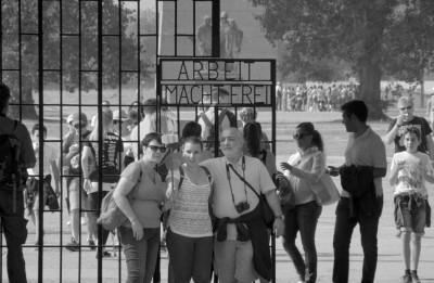 """Riga IFF: Sergeja Lozņicas dokumentālā filma """"Austerlica"""""""