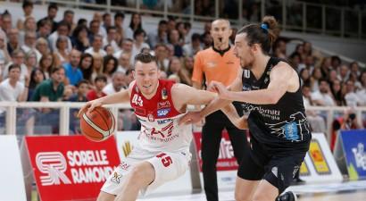 Dairis Bertāns arī nākamsezon spēlēs Itālijas čempionē, Peiners tuvojas Eirolīgai