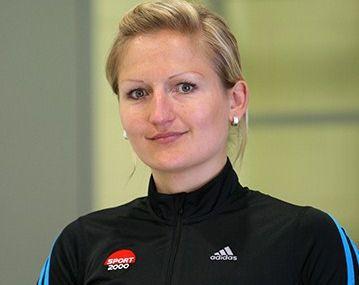 """Olimpiete Dukure startē jubilejas skrējiensoļojumā """"Rīga-Valmiera 107 km"""""""