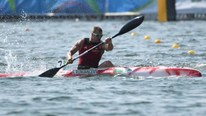 Smaiļotājs Rumjancevs izcīna piekto vietu pasaules čempionātā
