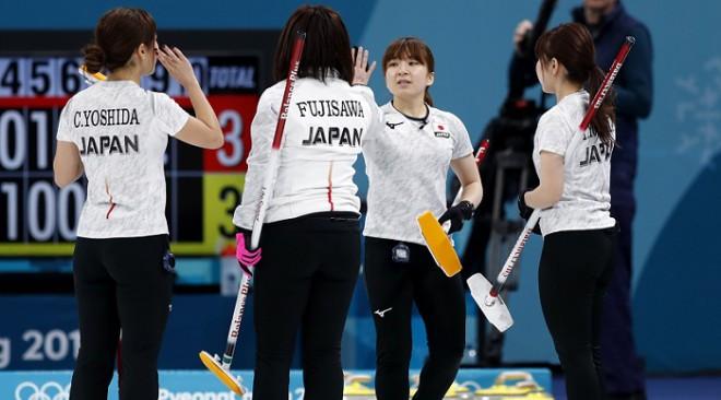 Japāna sagaida savu pirmo medaļu kērlingā