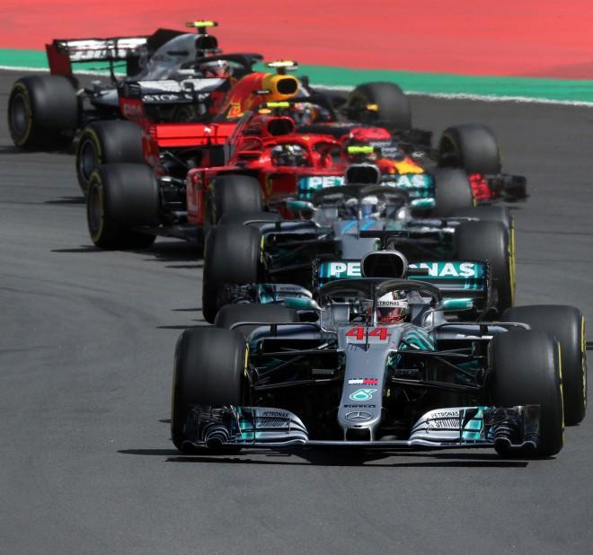 """Marko: """"F1 riepas ir veidotas """"Mercedes"""" komandas interesēs"""""""
