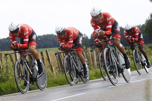 """Skujiņš ar komandas biedriem izcīna sesto vietu """"Criterium du Dauphine"""" posmā"""