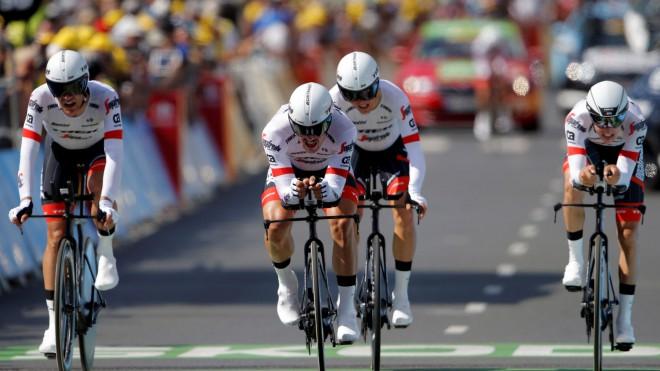 """Skujiņam un """"Trek - Segafredo"""" 14. vieta """"Tour de France"""" komandu braucienā"""