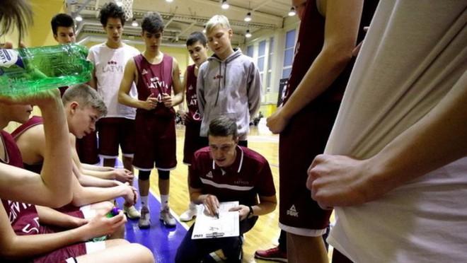 Latvijas U16 izlase divreiz pārbaudes spēlēs sagrauj Ukrainu