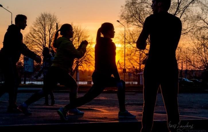 Sporto Rīga: ar skriešanas piedzīvojumu tiks svinēts vasaras āra treniņu sezonas noslēgums