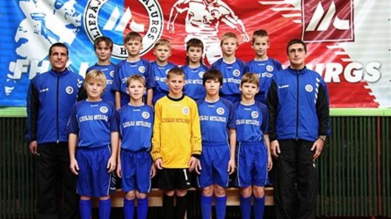 Jaunie Liepājas futbola censoņi.