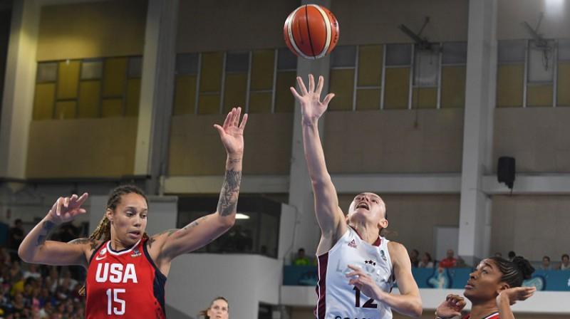 Anete Šteinberga: 30 punkti pret ASV. Foto: Romāns Kokšarovs, f64