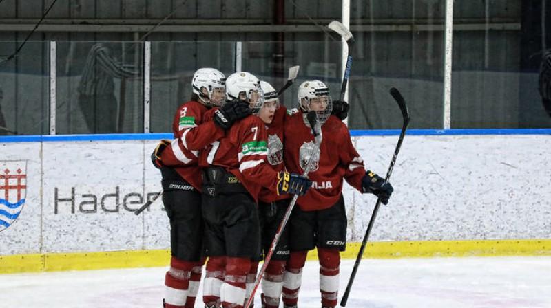 Latvijas U20 izlase. Foto: Taņa Longa, LHF.lv