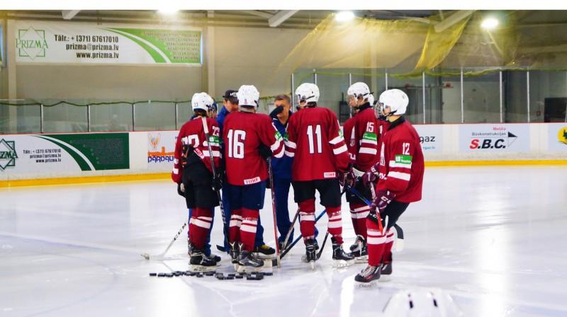 Latvijas U16 hokeja izlase. Foto: www.lhf.lv