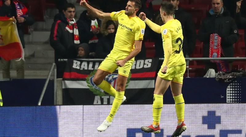 """Girona"" futbolisti pēc Kristiana Stuani vārtiem. Foto: Reuters/Scanpix"
