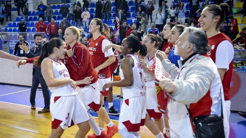 """""""Olympiacos"""" basketbolistes pirmo uzvaru izcīnīja par Eirolīgas vicečempionēm. Foto: FIBA"""