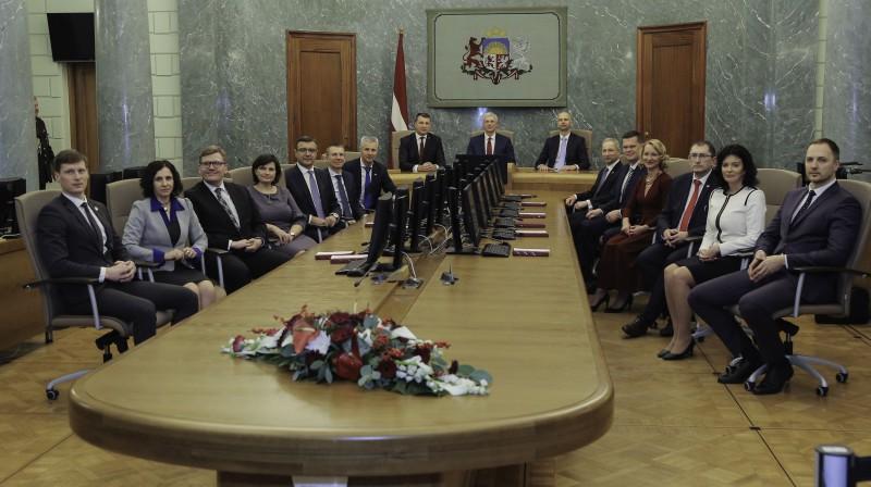 Krišjāņa Kariņa vadītais ministru kabinets. Foto: Dāvis Ūlands/f64