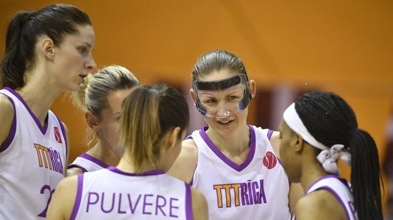 TTT basketbolistes. Foto: Romāns Kokšarovs, f64