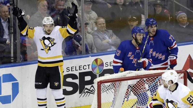 """Teodors Bļugers svin vārtus pret """"Rangers"""". Iespējams, Stenlija kausā pretī stāsies Ņujorkas otra komanda. Foto: AP/Scanpix"""