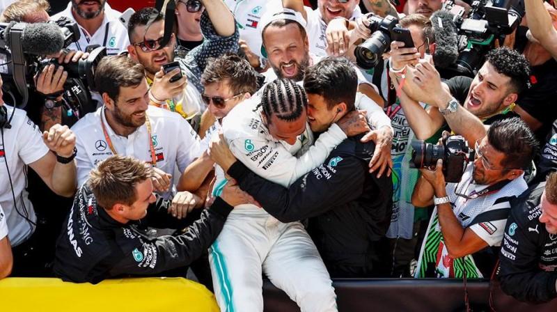 Lūiss Hamiltons pēc uzvaras Kanādā. Foto: Mercedes-AMG Petronas Motorsport