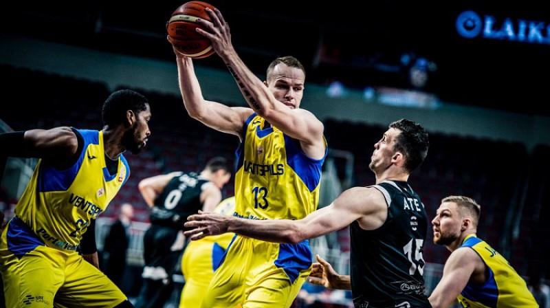 Māris Gulbis un Ventspils: Latvijas-Igaunijas līgas pirmie čempioni. Foto: Romāns Kokšarovs, f64