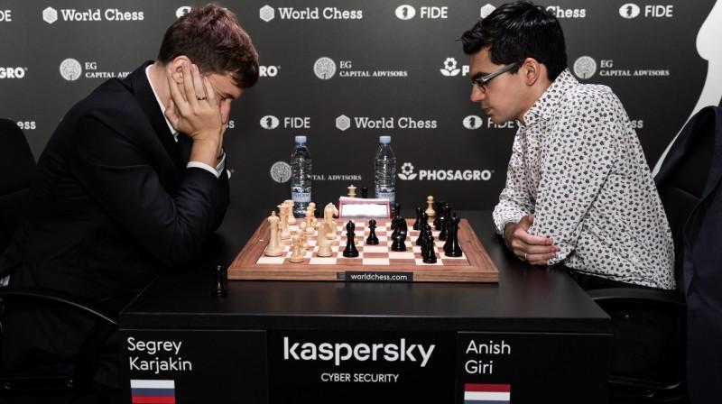 Sergejs Karjakins un Anišs Giri. Foto: World Chess