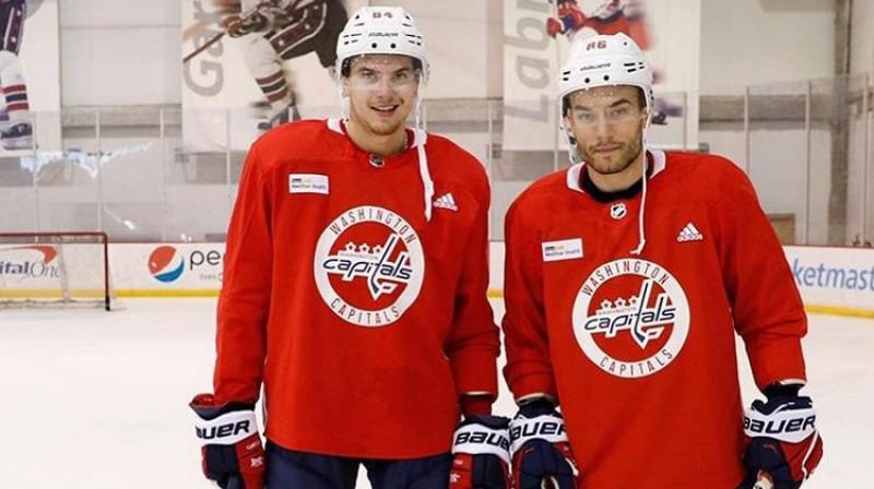 Kristofers Bindulis (no kreisās) un Jānis Jaks. Foto: Capitals