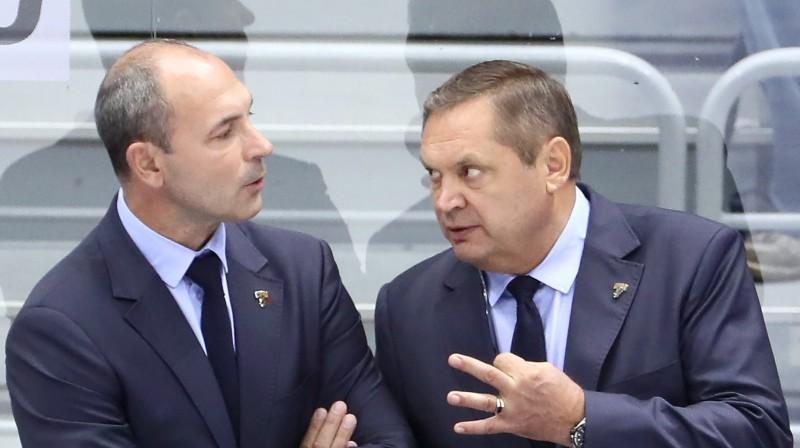 """""""Sochi"""" līdzšinējais galvenais treneris Sergejs Zubovs un viņa asistents Leonīds Beresņevs. Foto: TASS/Scanpix"""