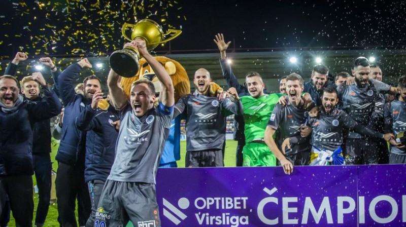 """Aleksejs Višņakovs un """"Riga"""". Foto: optibetvirsliga.com"""